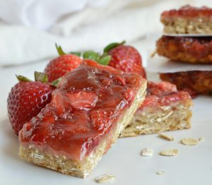 strawberry granola bars, vegan